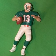 1999 Football #5 - Dan Marino