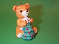 1990 Cinnamon Bear #8F - With Tree