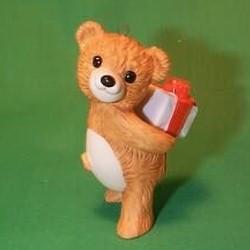 1986 Cinnamon Bear #4 - Gift