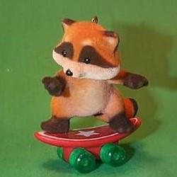 1985 Skateboard Raccoon