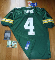 GREEN BAY PACKERS BRETT FAVRE SIGNED AUTHENTIC Lambeau Captains patch JERSEY COA