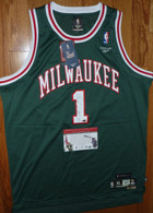BIG O Autographed HOF SIGNED Milwaukee Bucks Reebok Hardwood Classics 1971 Oscar Robertson JERSEY with Legends of the Field Hologram and COA authentication