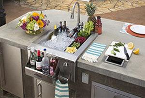 Outdoor Kitchens & Appliances