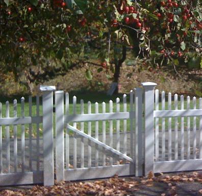 picket fence gate. image 1 picket fence gate