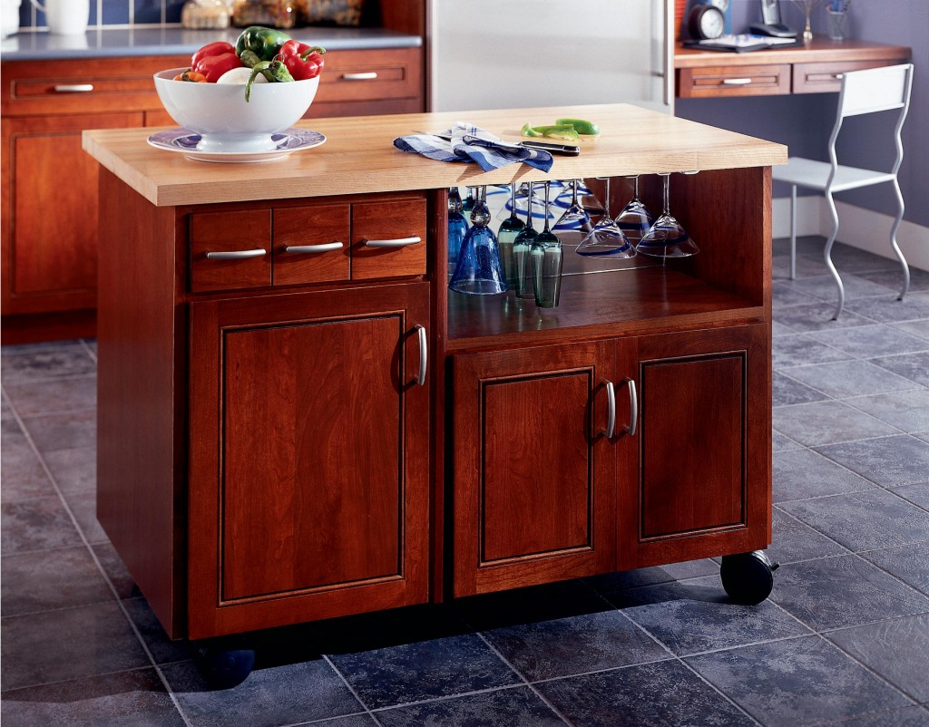 5 benefits of kitchen islands kraftmaid for Kitchen island cabinets