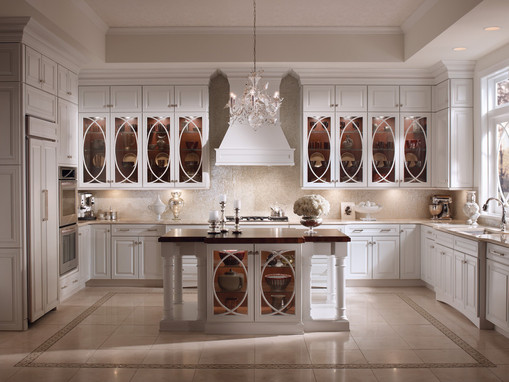 Maple Kitchen In Dove White With Palladia Glass Doors