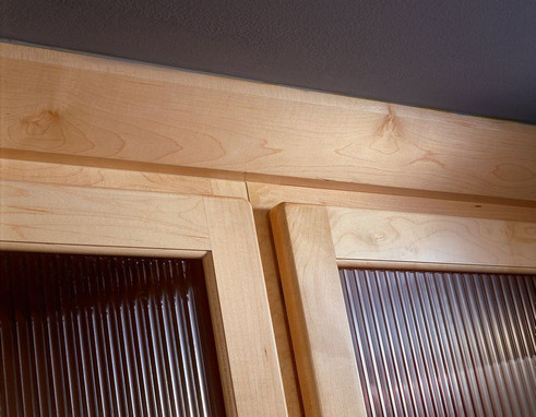 Angle Crown Molding In Natural Maple Kraftmaid