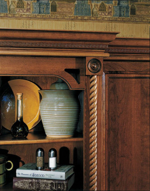 Large Rope Molding As Column Detail Kraftmaid