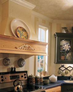 Classic Crown Molding with Acanthus Onlay
