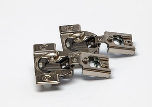 Whisper Touch™ 1/2 Overlay Hinges