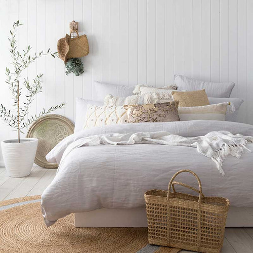 Bed linen save online bedding store quilt covers online for Tracie ellis bedding