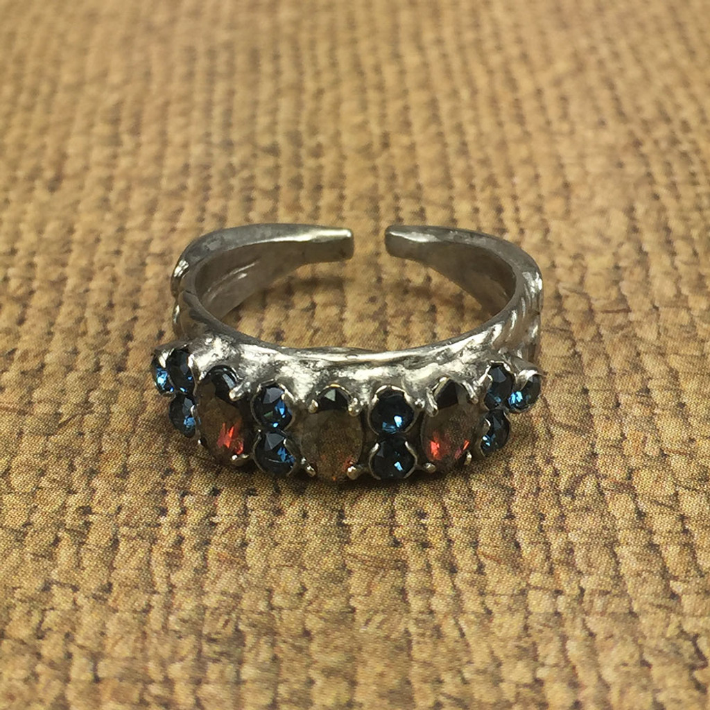 Sorrelli's Burgundy Champagne Marquis Crystals with Montana Ring