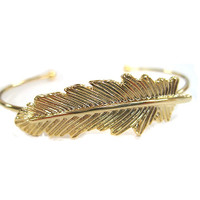 """Feather Me"" Bracelet"