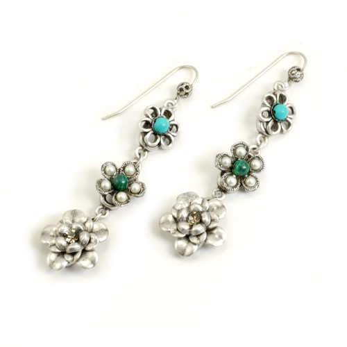 String of Silver Flowers Earring