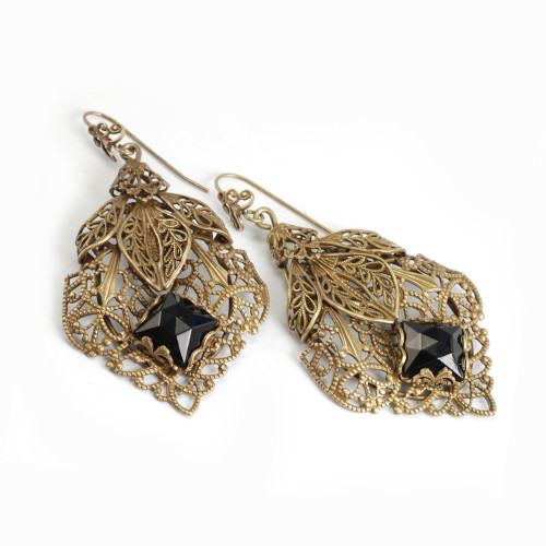 Filigree Caged Jet Faceted Square Earring B