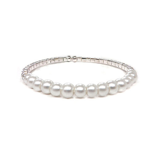Girly Pearly Bracelet