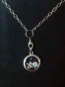 Magnetic Locket Necklace – Silver tone