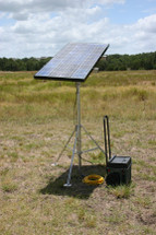 Solar Tripod Power Station 100P