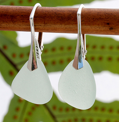 light-green-sea-glass-earrings-inexpensive