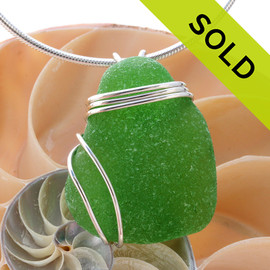 A nice vivid green sea glass in a sterling setting that leaves the glass unaltered from the way it was found on the beach. Sorry this Sea Glass Pendant has been SOLD