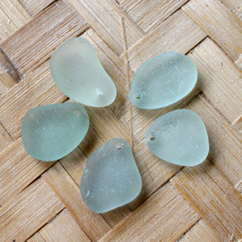 5 pieces of pre-drilled sea glass pieces for your sea glass jewelry making projects.