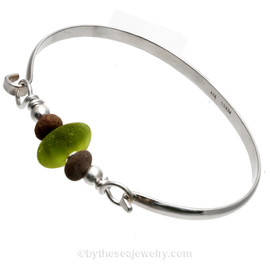 Vivid Peridot Green Genuine English Sea Glass & Natural Beach Stones on this Solid Sterling Silver Half Round Sea Glass Bangle Bracelet. This is finished in solid sterling beads.