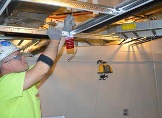 Spectra Hv302 Self Leveling Laser With Plumb Beam