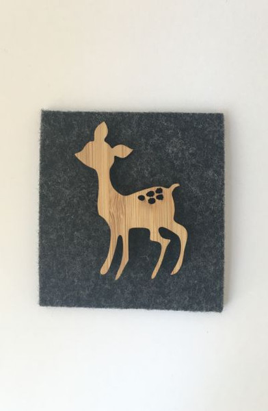 Such a cute little fawn ideal to pin on your outfit, bag, scarf or a give as a fantastic gift