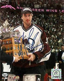 Patrick Roy Signed Avalanche 2001 Conn Smythe 8x10 Photo