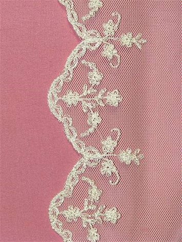 PB21S11 Ivory Shiffli Lace