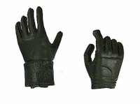 Girl Clan: Ranger - Gloved Hands