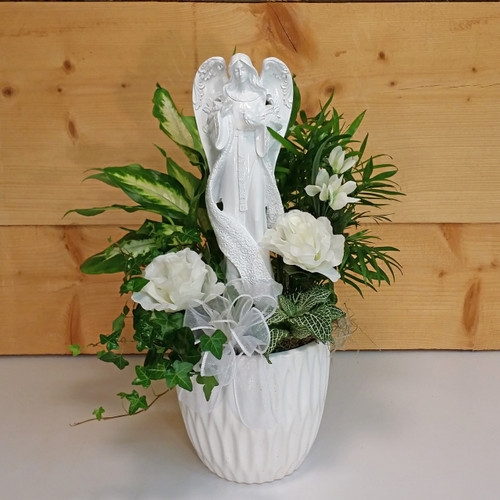 An Angel's Love by Savilles Country Florist. Flower delivery to Orchard Park, Hamburg, West Seneca, East Aurora, Buffalo, NY and surrounding suburbs.