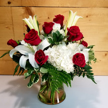 Classic Romance (SCF17S56) by Savilles Country Florist. Flower delivery to Orchard Park, Hamburg, West Seneca, East Aurora, Buffalo, NY and surrounding suburbs.