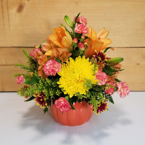 Bountiful Bouquet (SCF17F20) Fall, Autumn, Thanksgiving Centerpieces and Flower arrangements from Savilles Country Florist with same day delivery to Buffalo, NY and the surrounding suburbs including Orchard Park, Hamburg, West Seneca, East Aurora, Blasdell