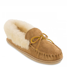 Minnetonka 3371 Alpine Sheepskin Moccasin Tan