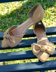 In Motion Bow Flats - Tan