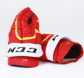 "14"" CCM HG12XP Gloves - Linden Vey Calgary Flames"