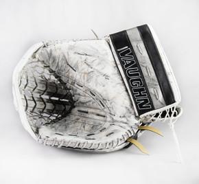 Full Right - Vaughn V6 2000 Pro White Glove - Cal Petersen Los Angeles Kings