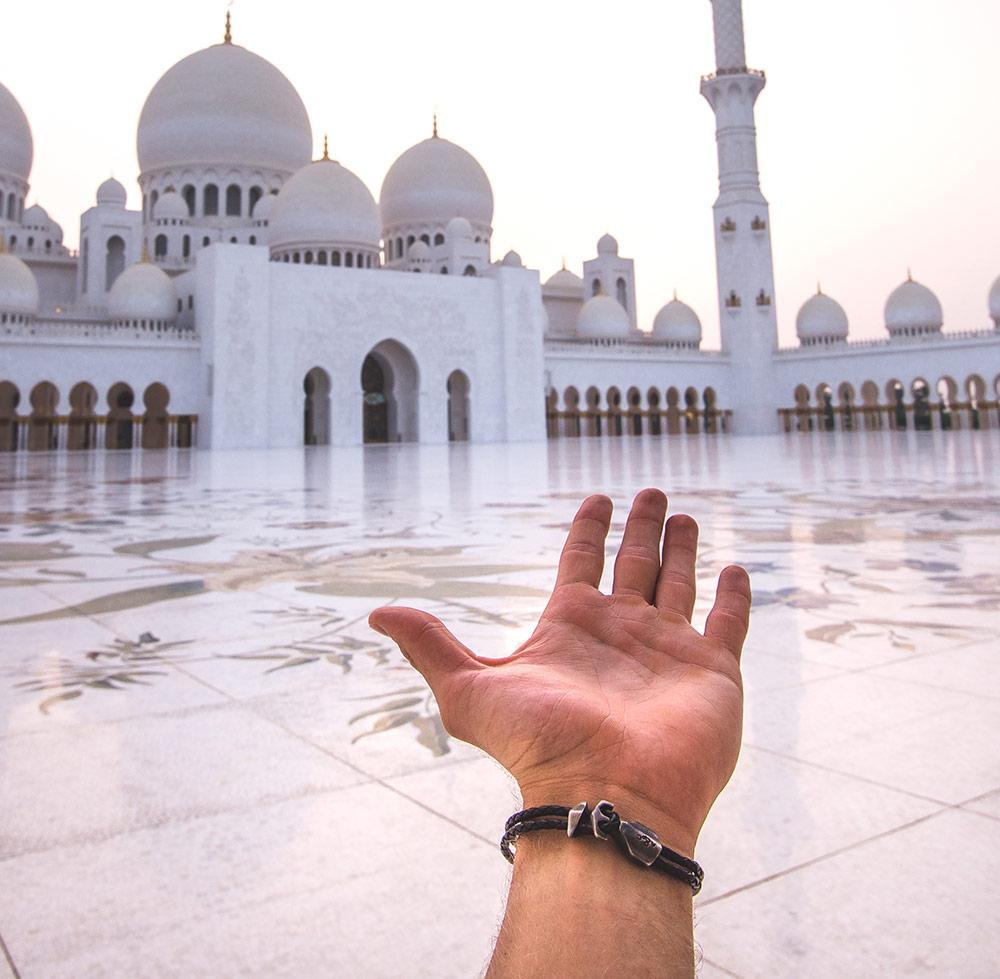 Visiting The Sheik Zayed Mosque Of Abu Dhabi