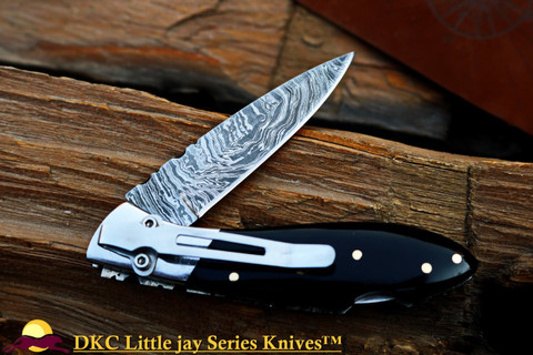 "DKC-58-LJ-BH-DS-PC LITTLE JAY Series BUFFALO HORN  HANDLE Pocket Clip Damascus Folding Pocket Knife 4"" Folded 7"" Approx 3.25""Blade a Long 4.7oz oz"