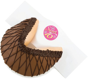 SWEET 16 - Giant Fortune Cookie