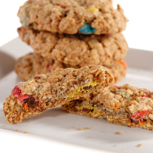 HEARTY & CRUNCHY CAMPER COOKIE (with M&Ms)