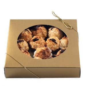 Mini Macaroons - Tin/ Gold Gift Box