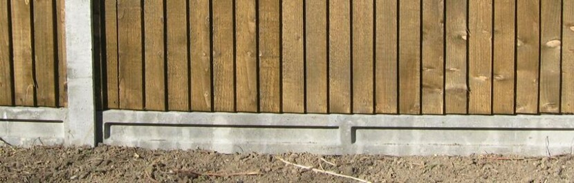 How to Install Concrete Fence Posts & Fencing Gravel Boards