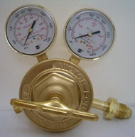 https://d3d71ba2asa5oz.cloudfront.net/32001042/images/victor-0781-0595-450-series-sr461d-510-lp-gas-regulator.jpg