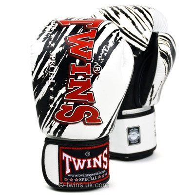 Twins FBGV-TW2 Claw Boxing Gloves
