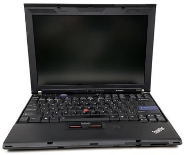 Lenovo Thinkpad X200 Front View