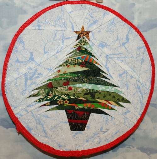 Paper Pieced Christmas Tree Pattern: Issue #61, Quilts With Style Holiday Tree Ornament