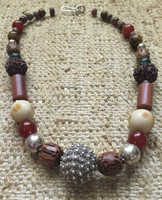 Osvaldo Castilla #419B. Mixed bead necklace