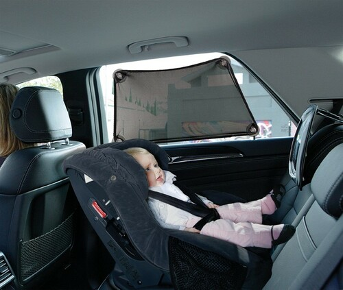 Dreambaby - Adjusta-Car Shade Stretch-It Shape-It Fit-It